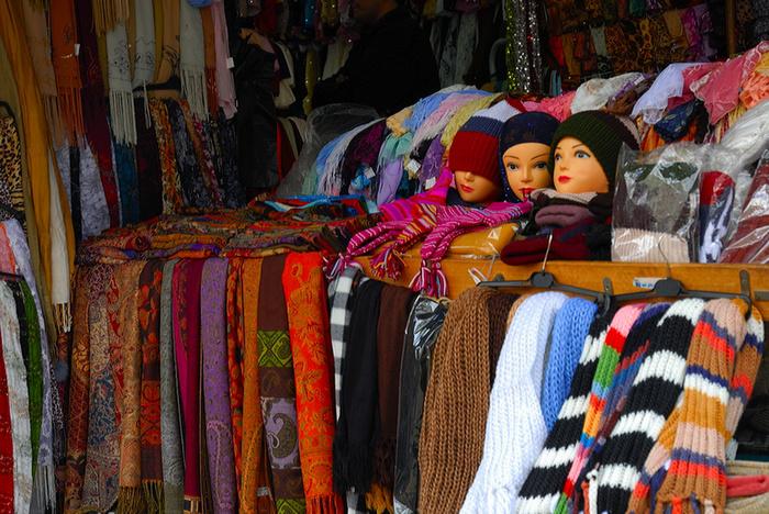 Auf dem arabischen Markt in der Altstadt von Jerusalem